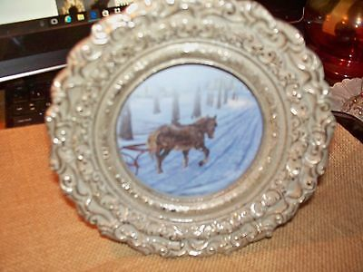 """Round Picture Frame, 7"""" Diameter, 3"""" Picture Opening"""