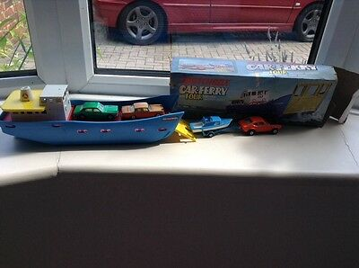 """Matchbox Car Ferry Complete With Four """" Matchbox"""" Superfast Models"""