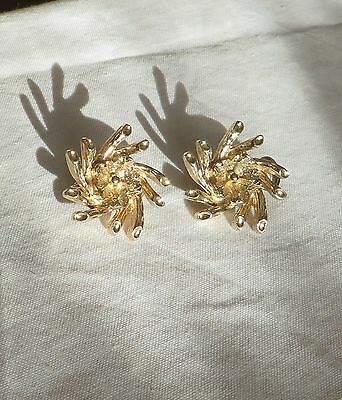Vintage 1950s 60s Sarah Coventry gold tone clip on earrings