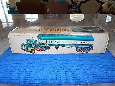 Vintage 1977 Hess Fuel Oil Tanker Truck in BOX in Excellent Condition