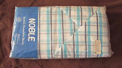 Pair of vintage double flannelette cotton sheets and two pillow cases