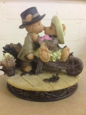 """Collectable Avon Ornaments """"Beary Pretty"""" in box"""