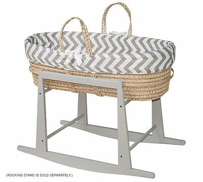 Jolly Jumper Moses basket with Quilted Liner