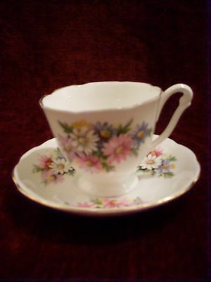 Vintage Queen Anne Fine Bone China Pretty Floral Cup & Saucer