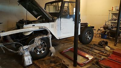 1973 Toyota Land Cruiser FJ40 1973 Toyota Landcruiser FJ40 project with tons of parts!!