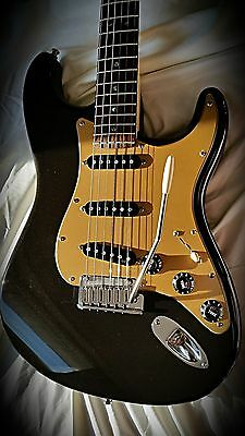 Fender American Deluxe Stratocaster - Mint Condition - Montego Black S1