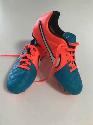 Nike Boys Soccer Football Boots Size 3Y US