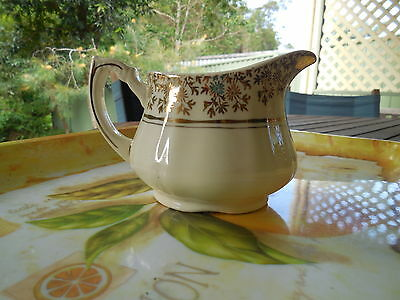 Beautiful Alfred Meakin Cream Jug, White With Gold Floral Pattern