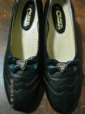 Adorable Leather Vintage Granny Shoes With Diamonte Bows As New 7 1/2 To 8..