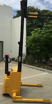 Forklift Electric Walk Behind No License Required