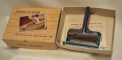 Vintage Townsend Metal Hand Crank Fish Skinner w/ Box - Excellent Condition