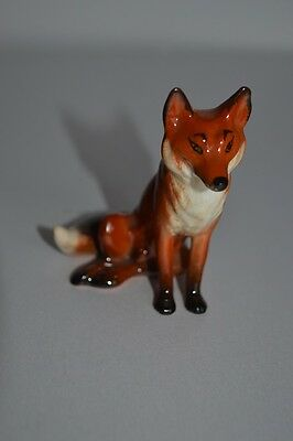 Beswick small Fox seated M/No 1748 by Arthur Gredington