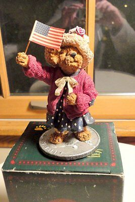 NIB Boyds Bearstones Collection Eleanore Bearsevelt Figurine-Some Damage to Box