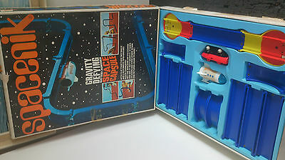 ULTRA RARE VINTAGE 1970s TOMY SPACENIK GRAVITY DEFYING BOXED COLLECTORS TOY