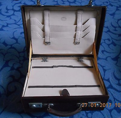 Alexander & Fowler (Liverpool) vintage 1930s doctor's case bag. Fully fitted.