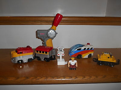 Geotrax RC Remote Control Train ~ Red Yellow Silver + Extras