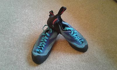 Red Chilli Climbing Shoes Childrens Size 5.5