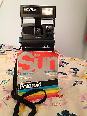 Vintage Sun 640 600 Polaroid Camera With Original Box!
