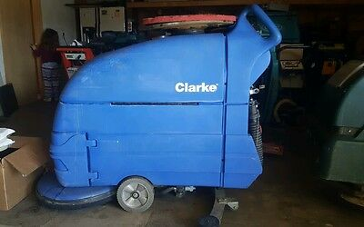 Clarke S20 Floor Scrubber  Low Hours