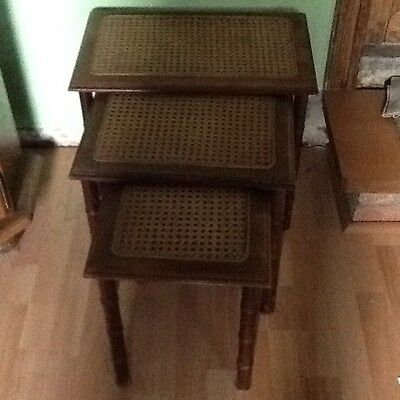 Table gigogne bois /cannage lot de 3