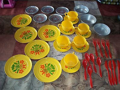 Vintage Childrens Pretend Play Dishes