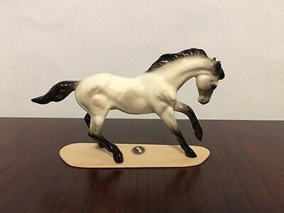 MINT Hagen Renaker Retired Thoroughbred Stallion Mistweaver #3273