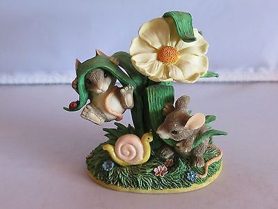 Charming Tails HANGING AROUND Mice Mouse Figurine - EUC