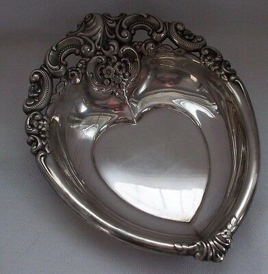 Vintage Wallace Grande Baroque Silver Plate Heart Candy Nut Bowl Dish