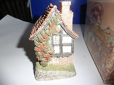 David Winter Cottage - SPINNERS COTTAGE plus box created in 1984