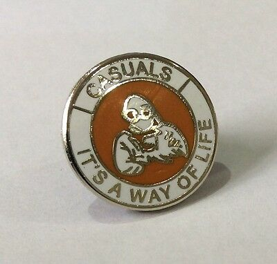 "LUTON TOWN Casuals Badge Pin Football Club FC ""IT'S A WAY OF LIFE"" Firm Crew"