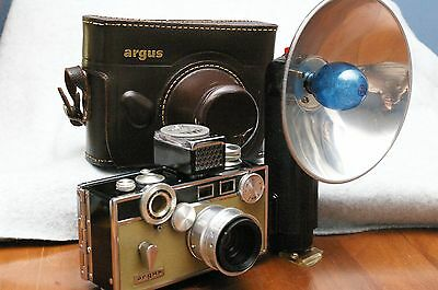 GUARANTEED! Exc++ '60 Argus C3 MatchMatic w/Flash & Case; Refurbed & Tested!