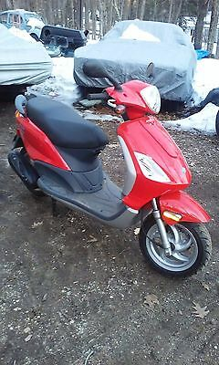 2008 Other Makes  2008 Piaggio FLY 50 Scooter with 250 original miles Great shape no reserve