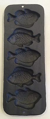 NOS Vintage FISH 5 Cavity Cast Iron Corn Bread Muffins