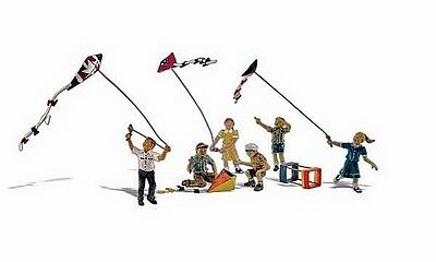 Kids Flying Kites (Windy Day) -  HO Model Train - Fully painted - Woodland