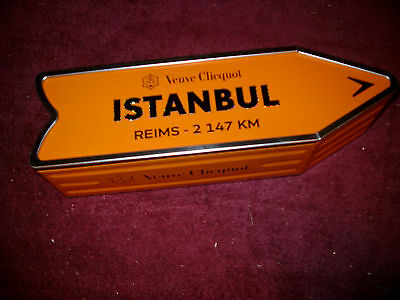 Veuve Clicquot Arrow Tin Istanbul Champagne