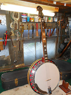 Vintage Vega Banjo 4 String w' Hard Shell Case Super Nice Instrument