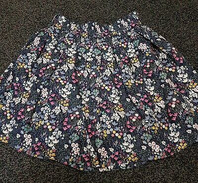 Girls skirt age 7-8 new without tags