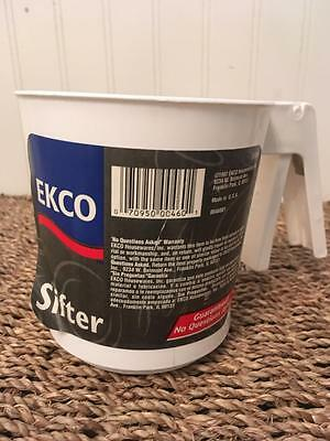 Vintage New with Label 1997 Ekco Sifter with Mechanical Pull Mechanism ~ White