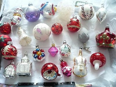 24 Assorted Xmas Tree Baubles Decorations Old & Newish/Glass & Plastic
