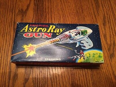 1960s JAPAN ASTRO RAY SPACE GUN FRICTION POWERED MINT WORKING IN THE BOX