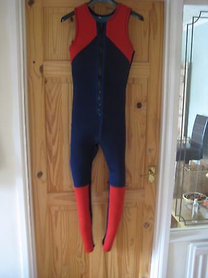 **NEW**  FULL LENGTH WETSUIT WITH MATCHING JACKET size M/S (CC)