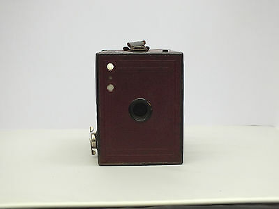 BURGUNDY Kodak No.2 Brownie, model F made in Great Britain c1930, good condition