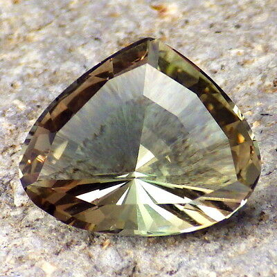 GREEN-BLUE DICHROIC OREGON SUNSTONE 3.52Ct FLAWLESS-FOR TOP JEWELRY!