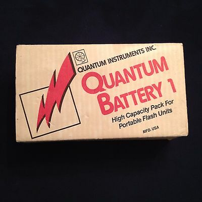 Vintage Quantum Battery 1 Battery pack for flashes with Charger QB-26 w Box!