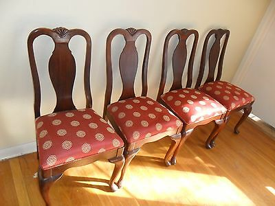 Set Of 4 Vintage Mahogany Queen Anne Dining Chairs