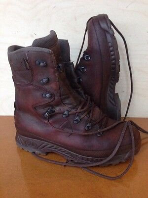 Size 9 brown cold wet weather haix boots! Very Good Condition!