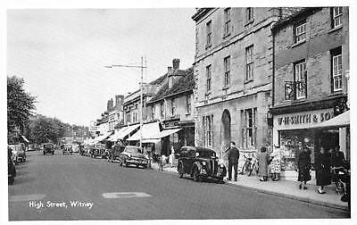 Witney, High Street Vintage Cars Auto Voitures Bicycles