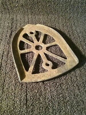 Antique Cast Iron 3 Leg Trivet