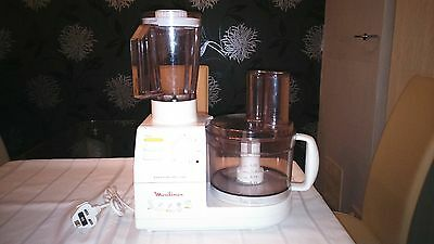 Moulinex food processor with accessories