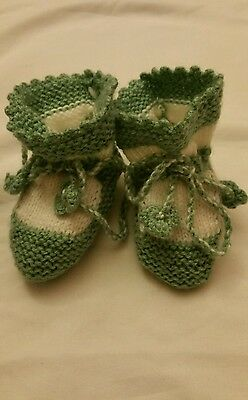Baby socks Knitted baby booties Unisex Baby slippers green white girl boy
